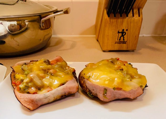 One Pan Ham & Gouda Stuffed Portobello Mushroom Caps